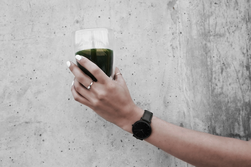 green matcha cleansing tea
