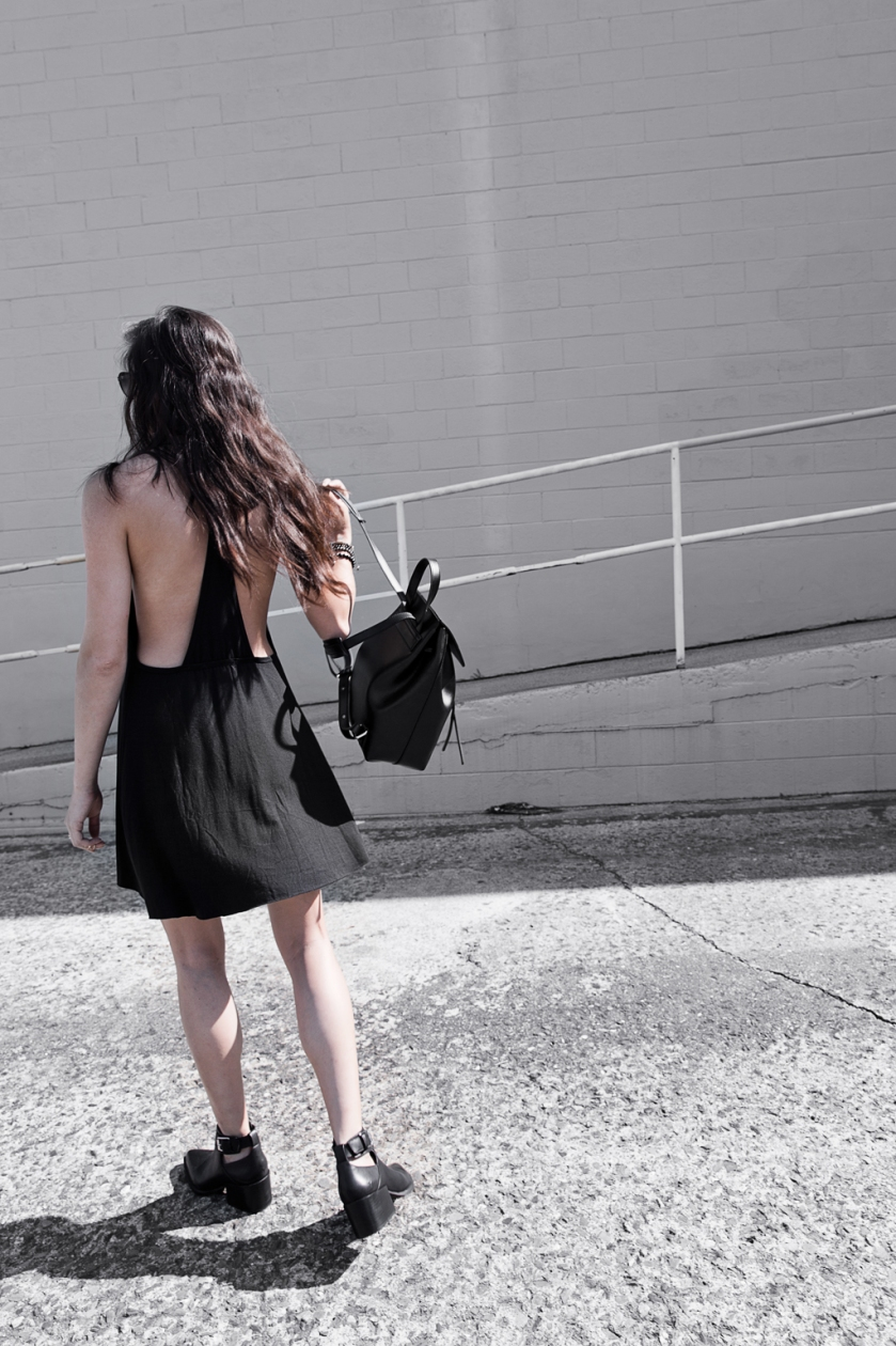 backless wanderlust style and bag