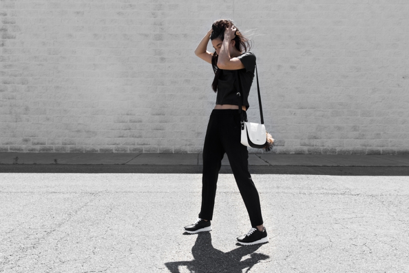 minimalist sneaker style
