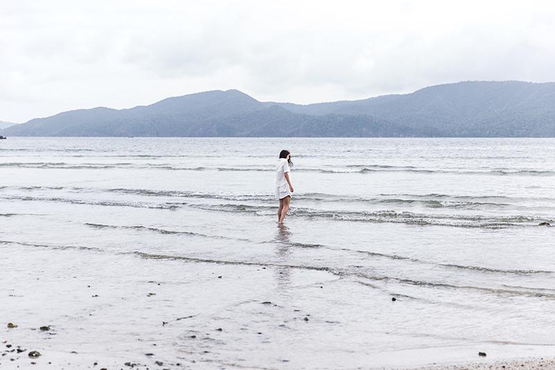 staring into the sea minimalist fashion