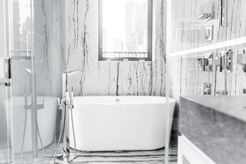 quin hotel minimal marble bath