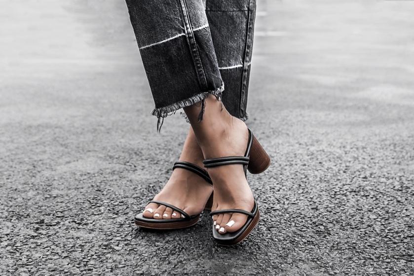 2017 fall trend fray hem jeans