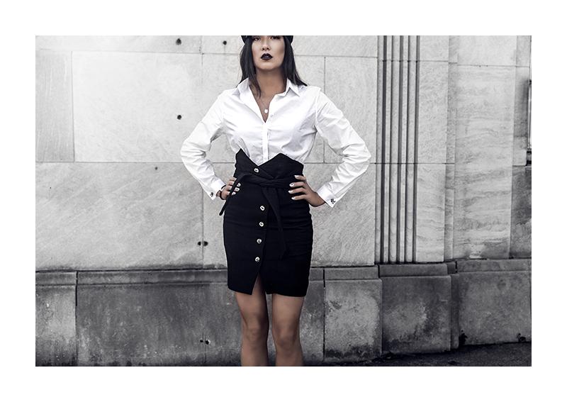 minimalist fashion blogger