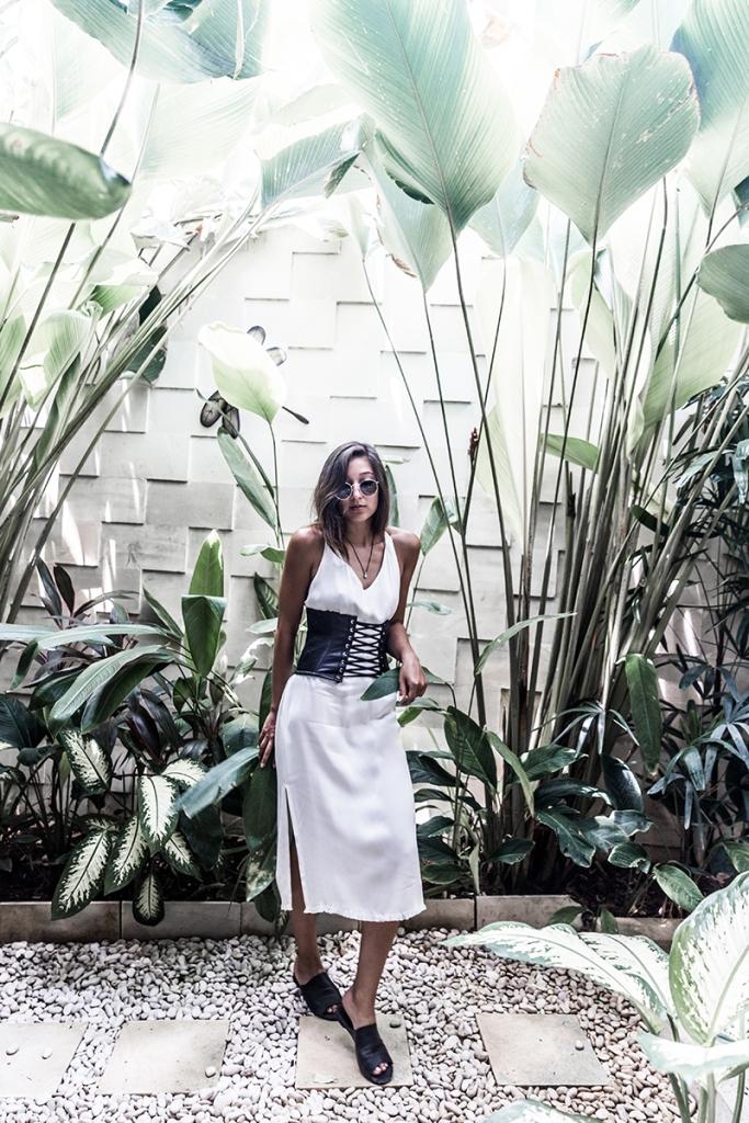 minimalist fashion blogger corset