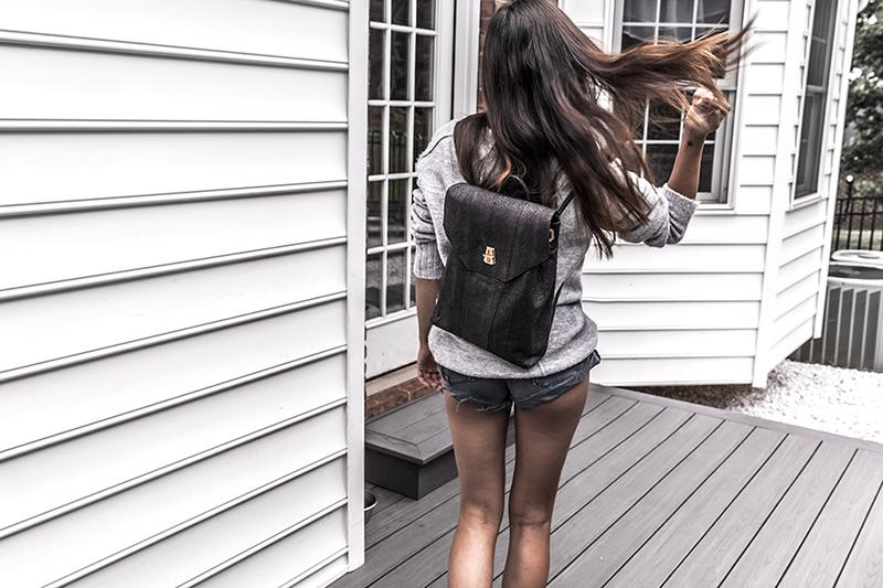 minimalist fashion essentials that support a busy lifestyle