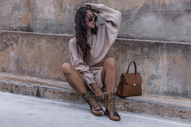 luxury fashion streetstyle with mobs sneakers
