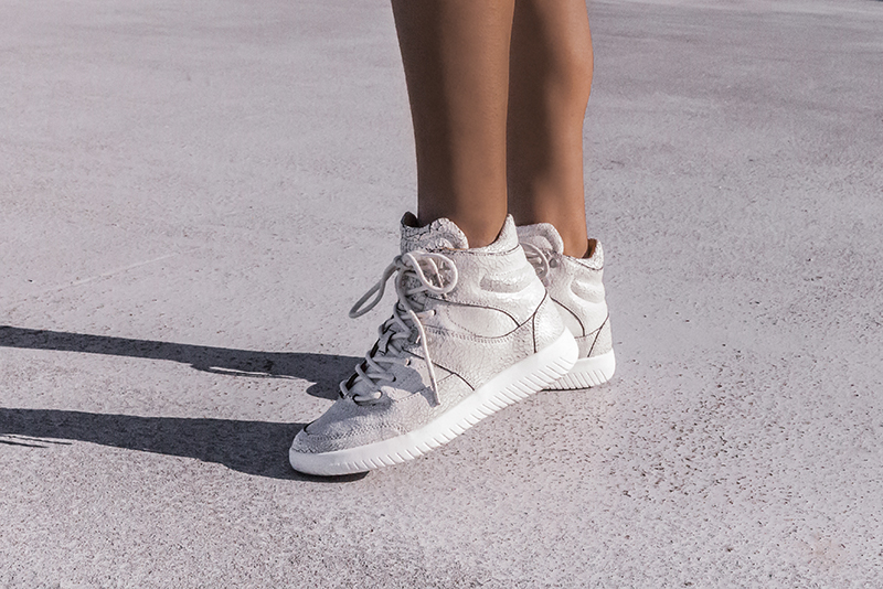 white mobs maquis sneaker