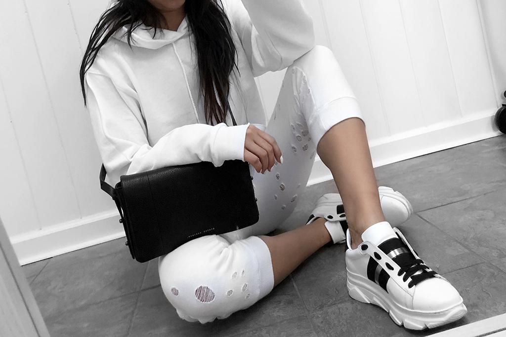 sweat pants and sneaker fashion