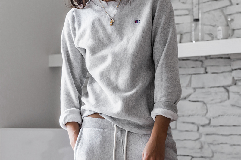 champion brand grey sweatpants and sweatshirt outfit