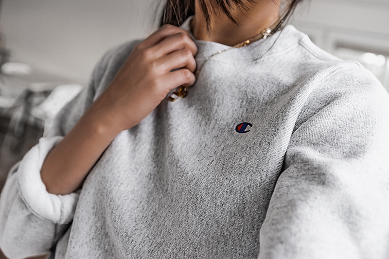 champion sweatshirt outfit with logo
