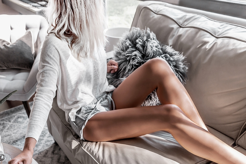 minimalist lounge wear fashion cashmere sweater and shorts