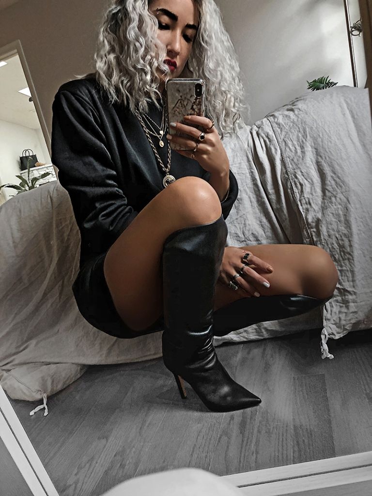 luxury fashion blogger wears tamara mellon
