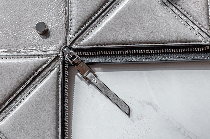 d.internoscia handbag zipper placement