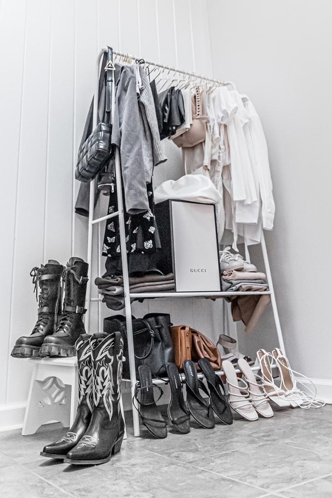 minimalist luxury closet