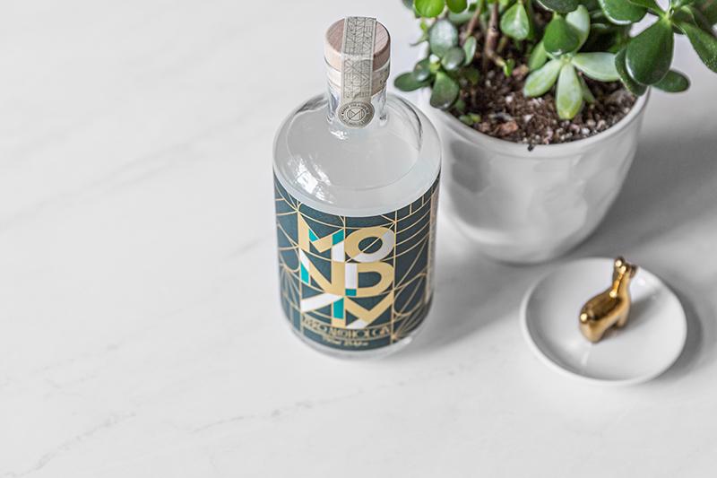Monday gin review photos