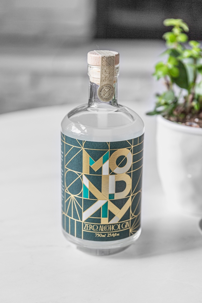 monday gin bottle