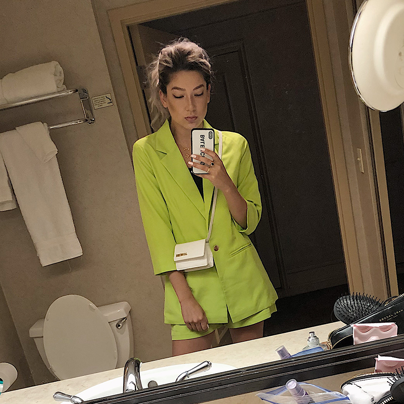 lime green minimalist fashion on blogger day in my dreams