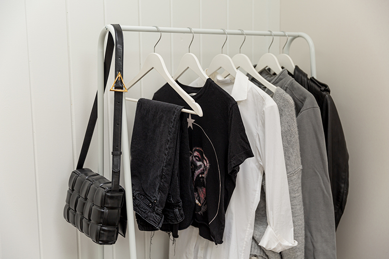 minimal style capsule wardrobe