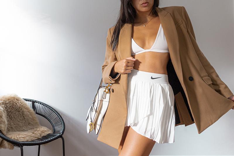 minimalist style modern white nike skort outfit